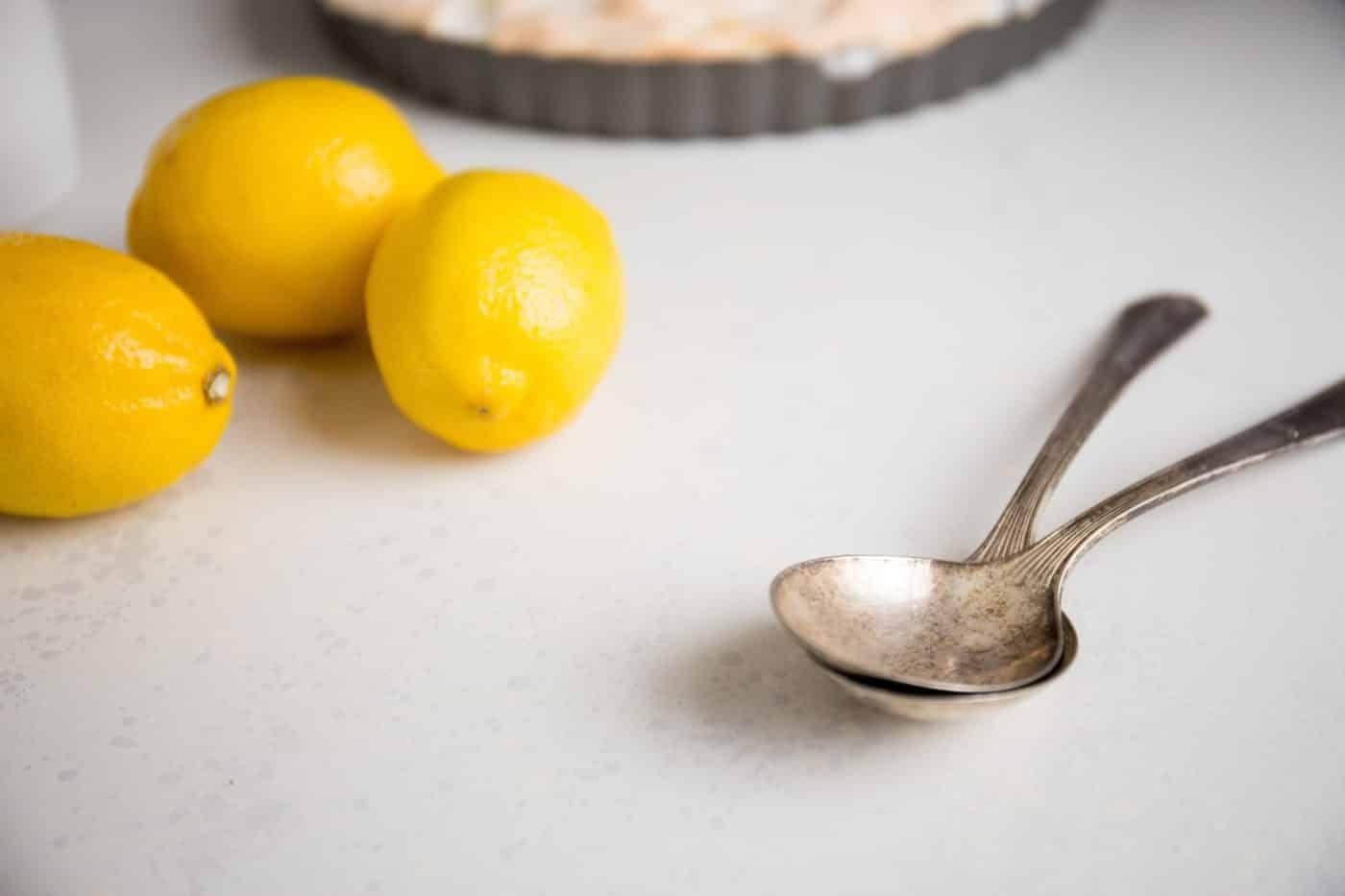 Лимонная кислота в ложке