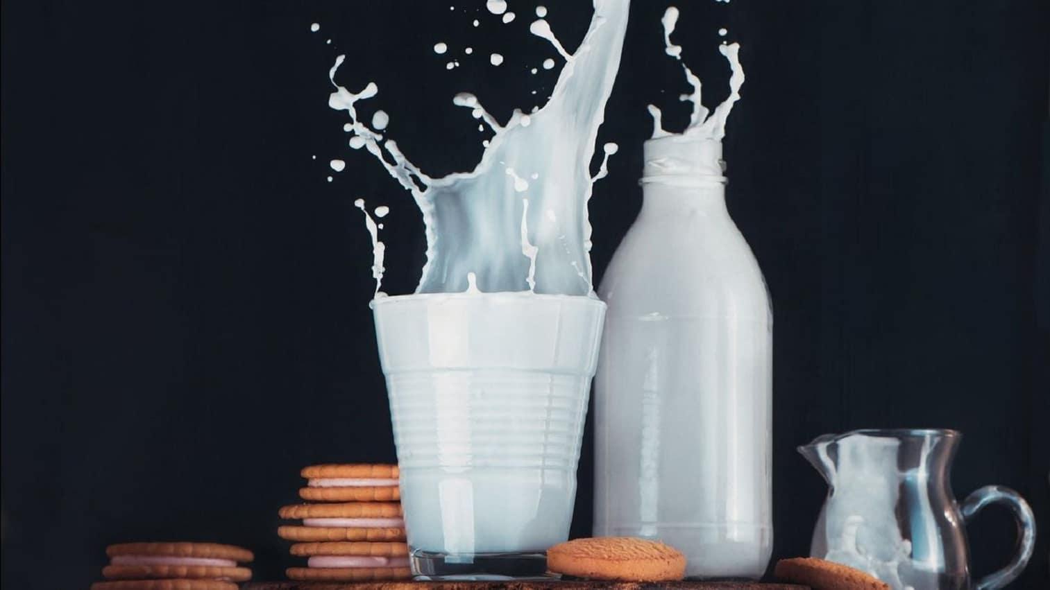 Сколько килограмм в литре молока