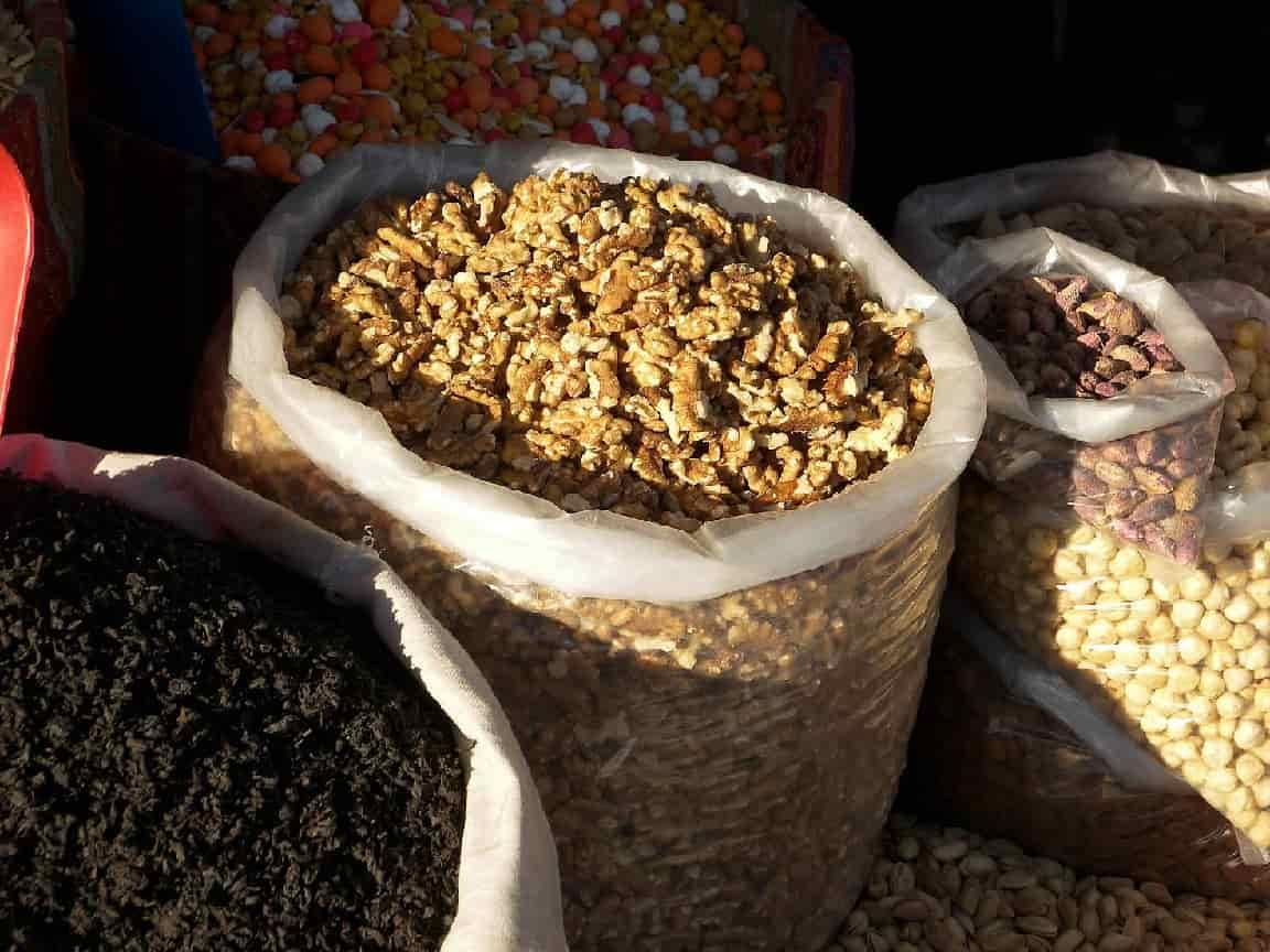 Мешок очищенного грецкого ореха