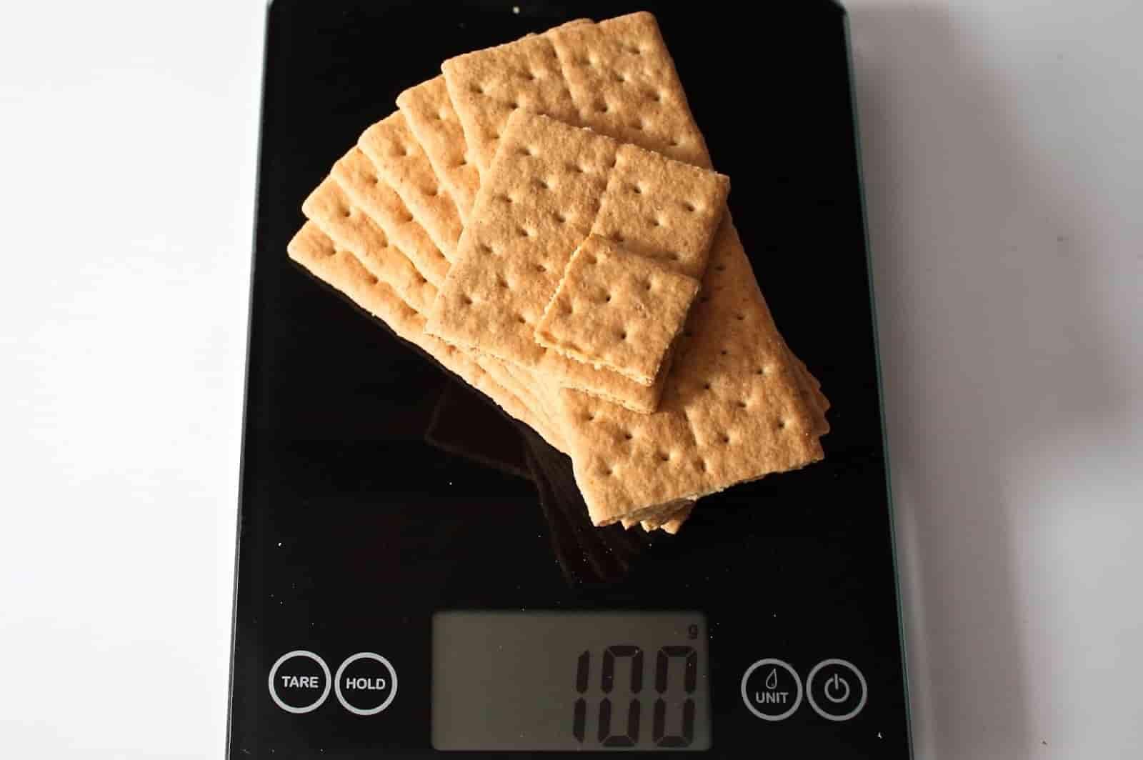 100 грамм крекеров