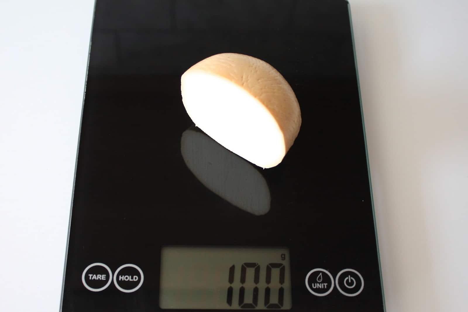 100 грамм моцареллы