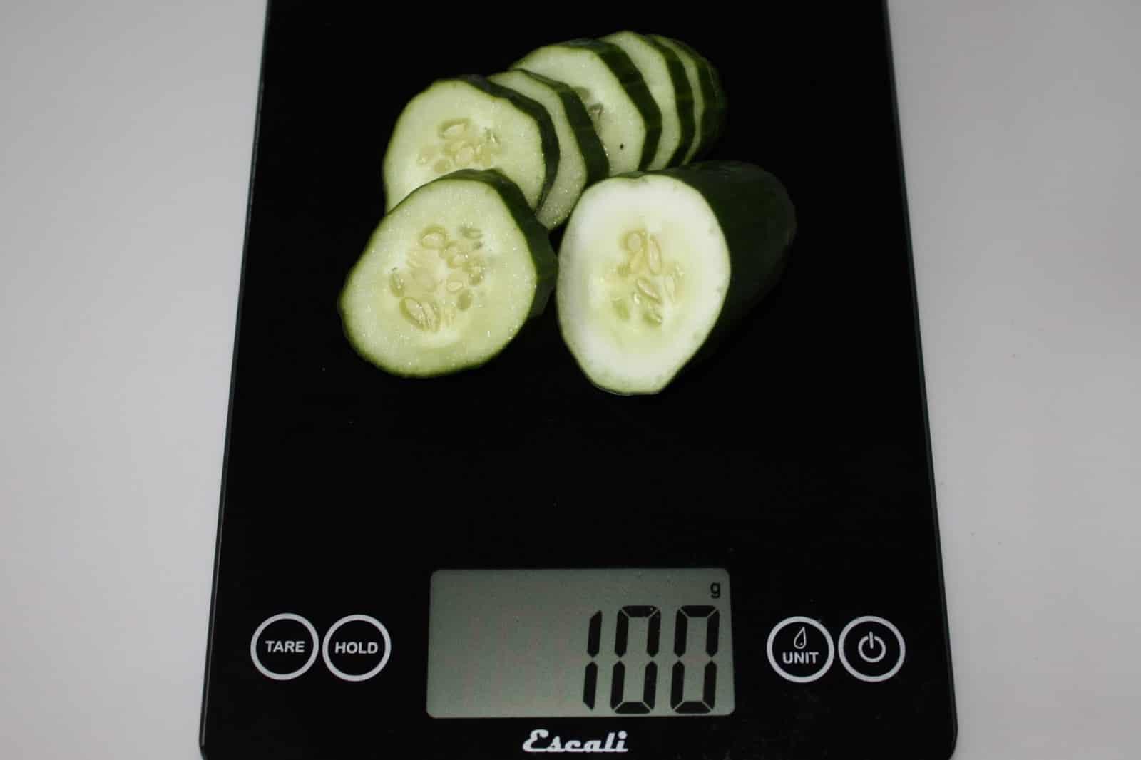 100 грамм огурцов (Вес продуктов)
