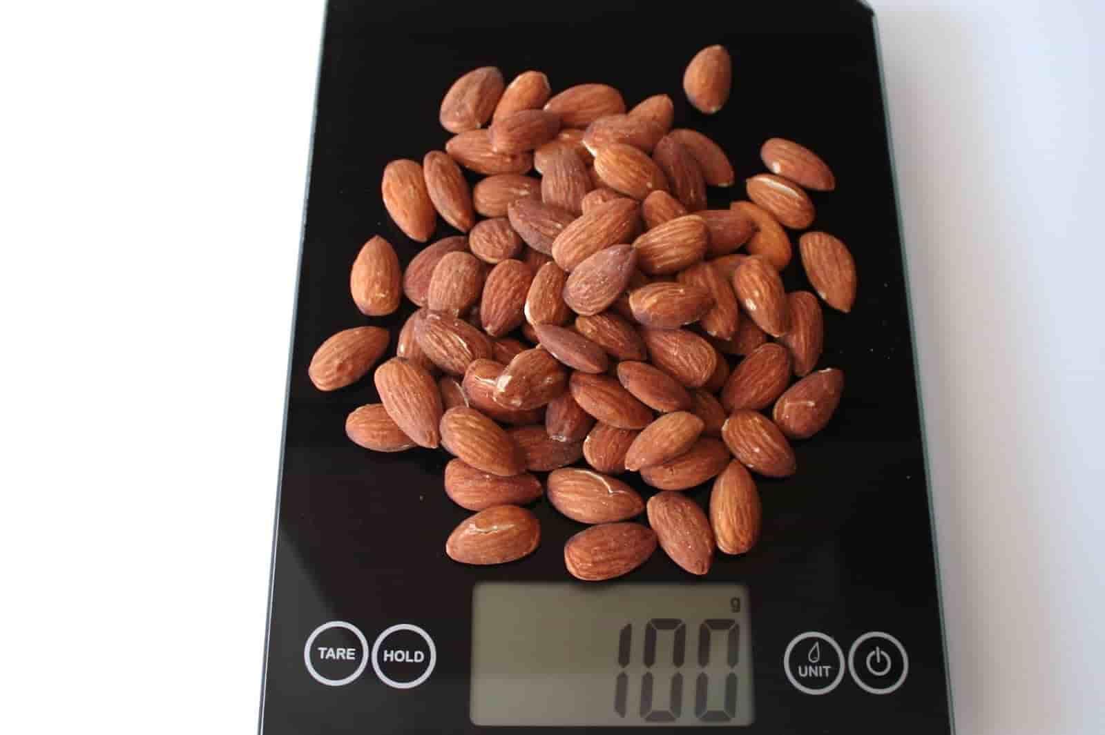 100 грамм орехов